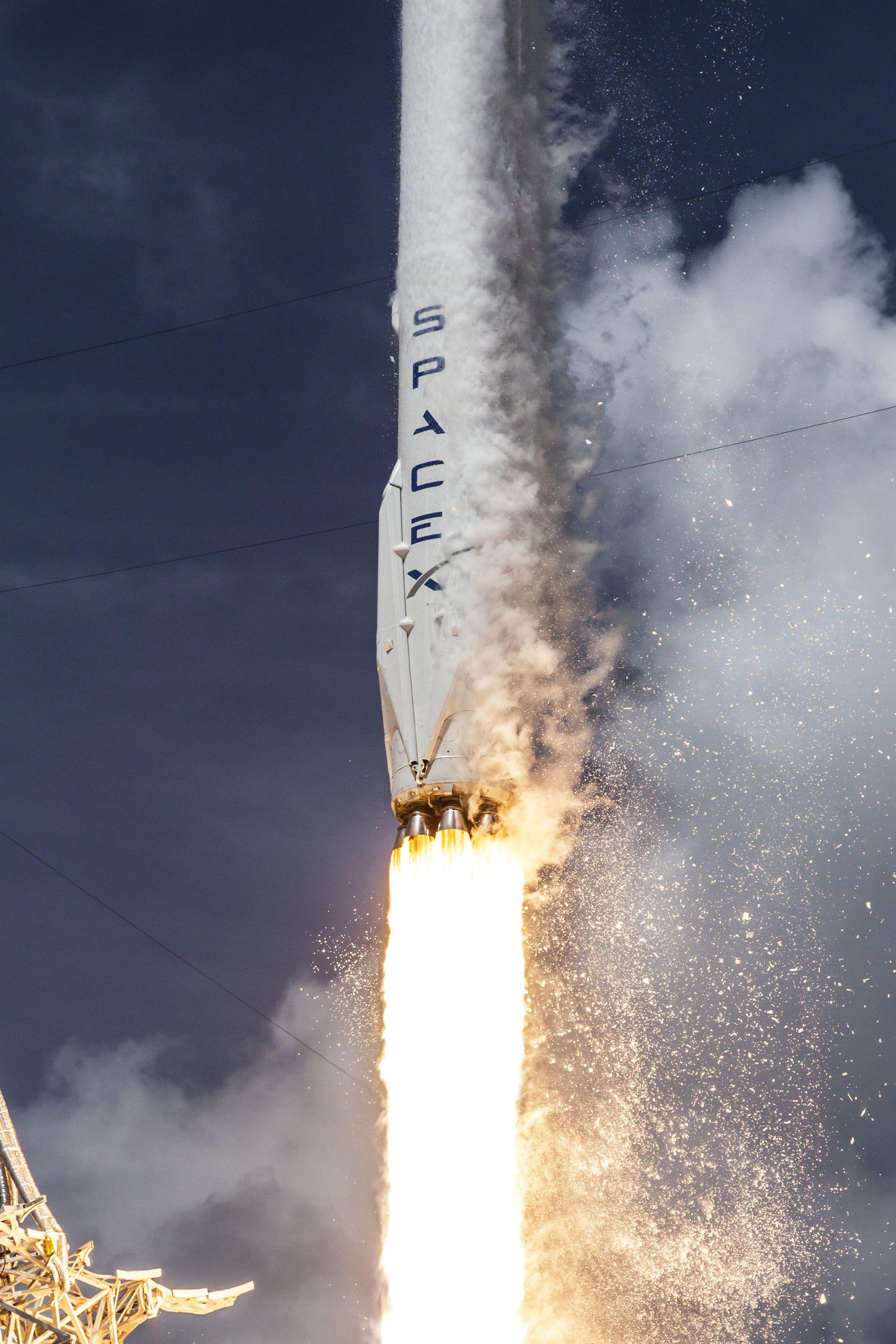 SpaceX Iphone Wallpaper