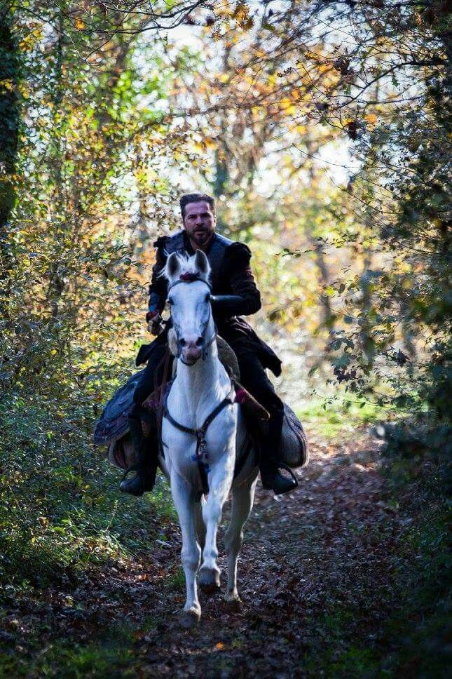 Ertugrul on Horse Iphone Wallpaper