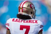 Wallpaper Colin Kaepernick Kneeling