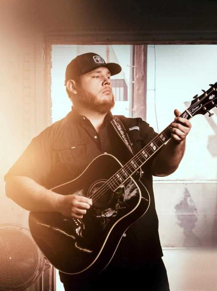 Luke Combs Wallpaper 1